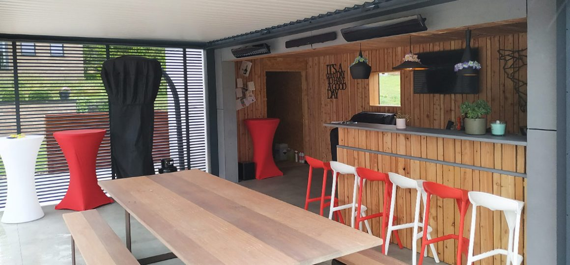 HEATSCOPE-PURE RedDot Design Award Heizstrahler, Installation Bar, Belgien